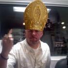 Popealicious